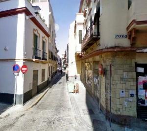 Calle Relator pozo