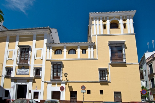 La plaza y el hospital del Pozo Santo