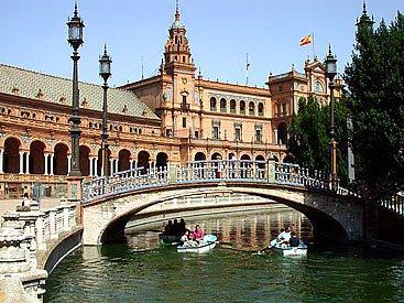 El estanque de la plaza de España