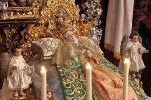 La Virgen del Tránsito, durante los cultos de su novena